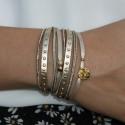 Bracelet manchette Rolls - Multi-tours rubans cuir clouté beige doré & Médaille