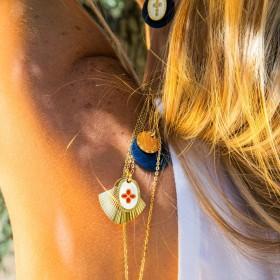 Collier Or Coeur Rouge Mycènes - Deux médailles & Décor laqué rouge
