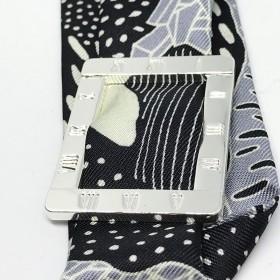 Exemple de bracelet manchette avec un Ruban de soie 4 cm