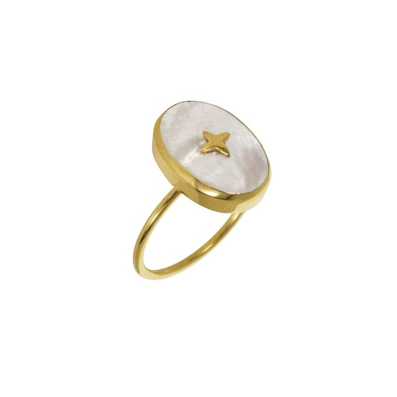 Bague fine dorée UNE A UNE - Nacre blanche ovale & Croix dorée