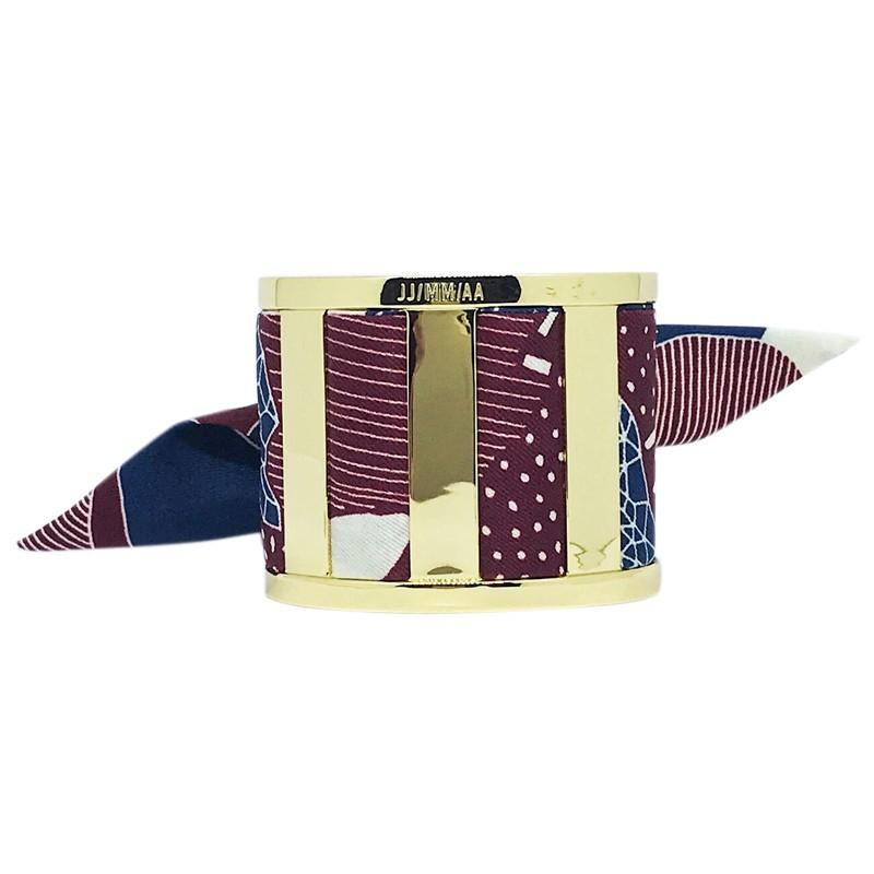 7aa731d6761d Bracelet Grande Manchette Dorée - Foulard soie bordeaux   bleu marine
