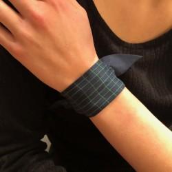 Bracelet à nouer - Ruban de soie Dictée bleu rayé vert 4 cm