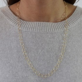 Collier chaîne doré stylisé de maillons fins ovales & torsadés