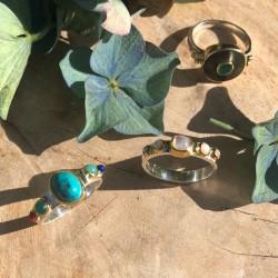 Bague fine ethnique argent doré Pierres multicolores & Turquoise ovale TAILLE 60