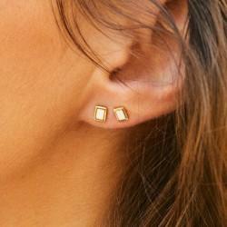 Boucles d'oreilles puces Bangle Quadra laiton doré émail blanc sable