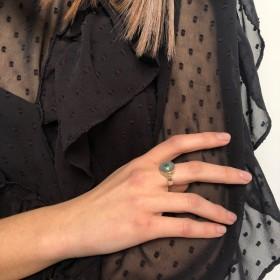 Bague Argent doré CANYON - Nacre grise ronde & Petite Sillimanite verte