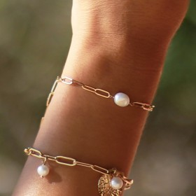Bracelet MINI-PERLA doré - Chaîne fine & Perle douce baroque signé Nilaï Paris