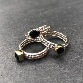Bague large argent doré TRILOGIE - Trois anneaux argent & Trois Onyx noirs Canyon bijoux
