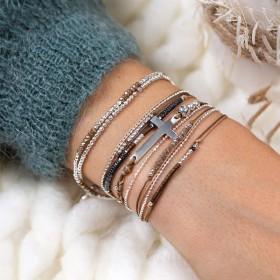 L'attitude DORIANE Bijoux avec les bracelets de la collection